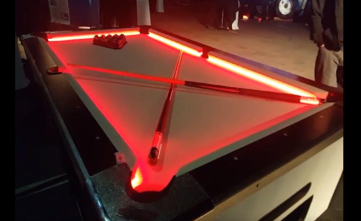Ordinaire LED POOL TABLE