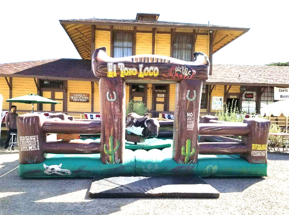 Mechanical Bull ( El Toro )