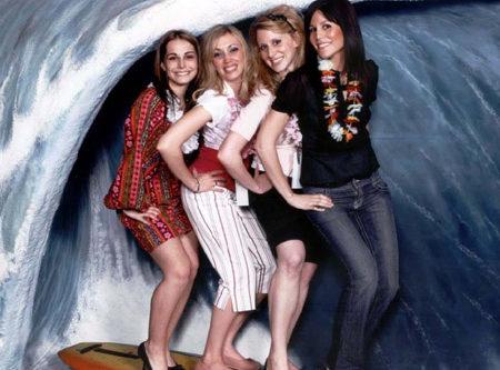 Wave Photo Facade