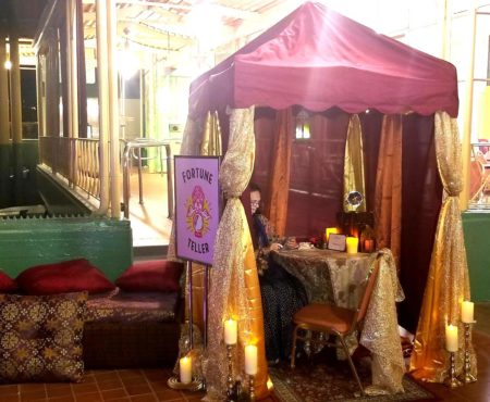 5ft x 5ft Entertainers Booth / Psychic & Henna