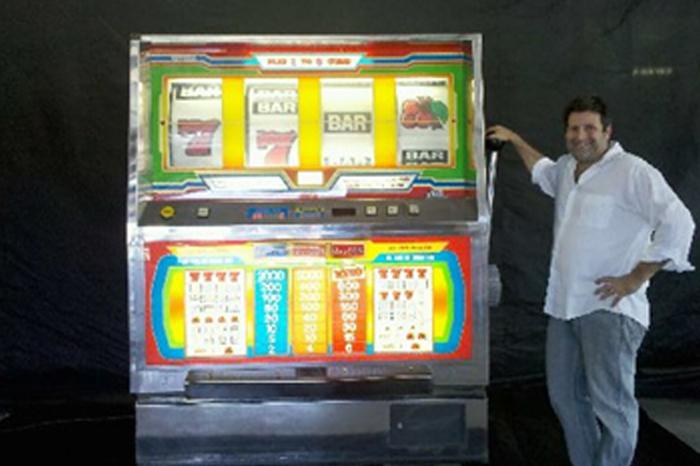 Giant Slot Machine